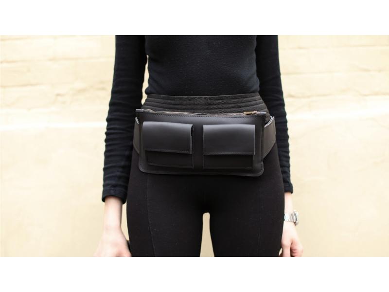 f8f4ca736838 Женская сумка из кожи Waist Bag чёрная купить по лучшей цене
