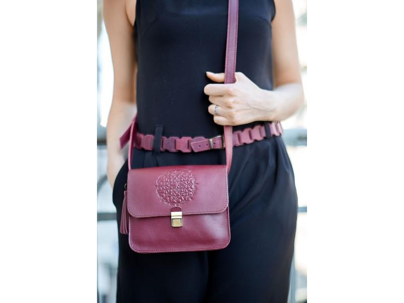 30c05105e954 Женская сумка через плечо из натуральной кожи Лилу бордовая купить по  лучшей цене