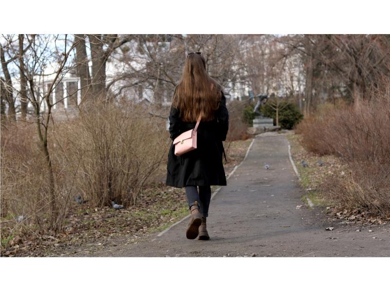 e9f60b0077a7 ... Женская сумка из натуральной кожи Aurora розовая купить по лучшей цене