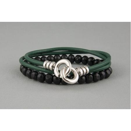 Браслет двойной из кожаных шнуров и бус зеленый 669