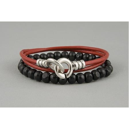 Браслет двойной из кожаных шнуров и бус красный 667